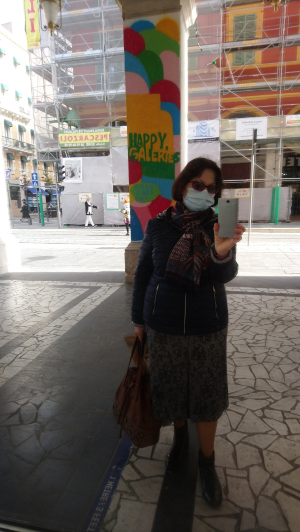 Toujours masquée
